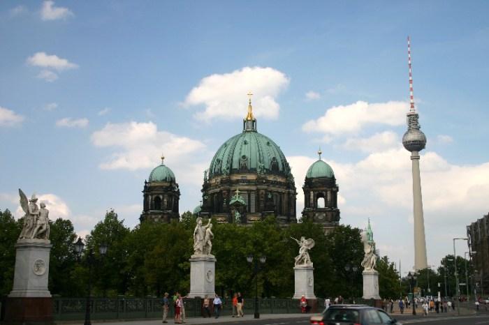 200407200011 - No Need to Rush Berlin