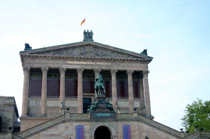 20040720002 - No Need to Rush Berlin