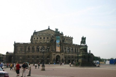 Dresden A City Reborn Followsummer