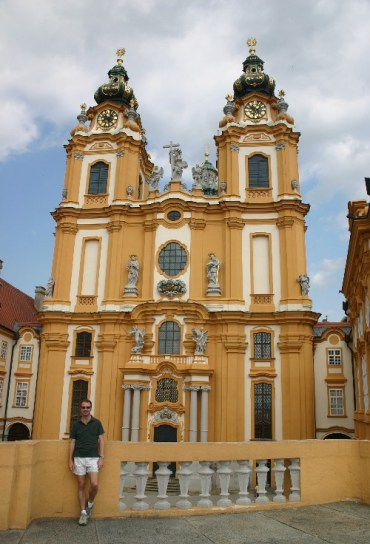 20040730003 e1401727547634 - The Baroque Fantasy Abbey in Melk
