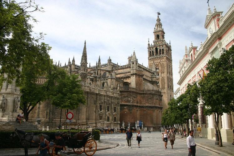 20040914003 - Sevilla: A Beautiful, Lush City Full of Fan Palms, Cafés and Historic Monuments