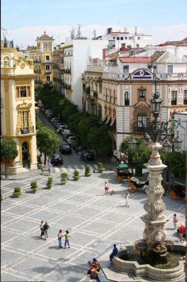 20040914010 e1406568867762 - Sevilla: A Beautiful, Lush City Full of Fan Palms, Cafés and Historic Monuments
