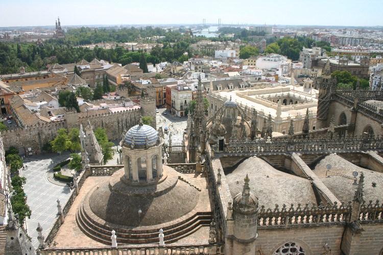 20040914011 - Sevilla: A Beautiful, Lush City Full of Fan Palms, Cafés and Historic Monuments