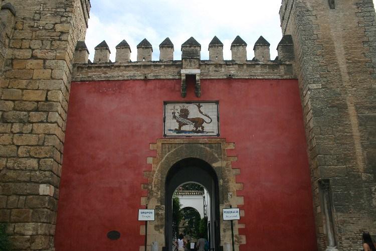 20040914012 - Sevilla: A Beautiful, Lush City Full of Fan Palms, Cafés and Historic Monuments