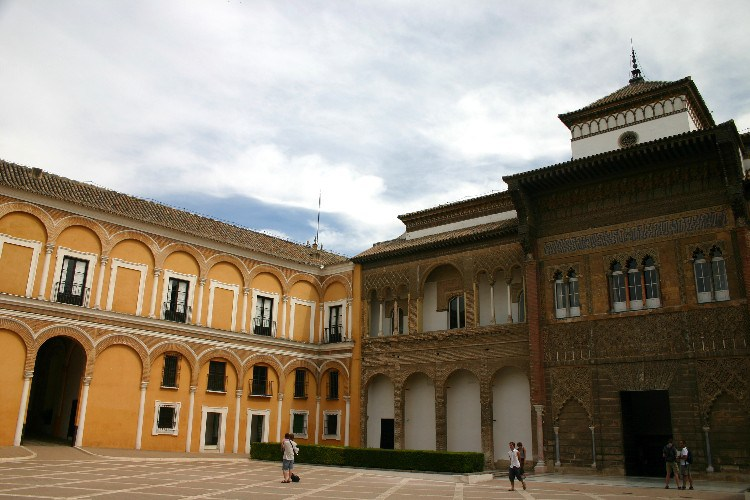 20040914013 - Sevilla: A Beautiful, Lush City Full of Fan Palms, Cafés and Historic Monuments