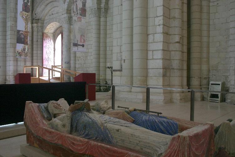 20041020007 - Châteaux-hopping dans Le Loire: Where is Sleeping Beauty?