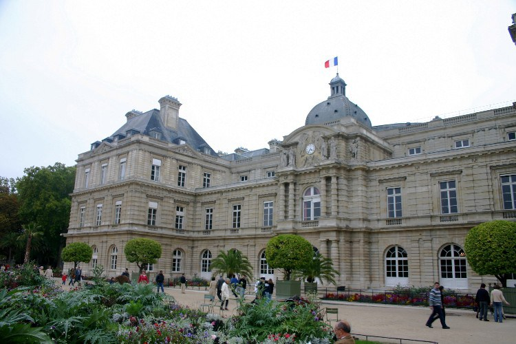 form2 - 6eme Arr., Formally Known as Luxembourg, Popularly Known as St. Germain.