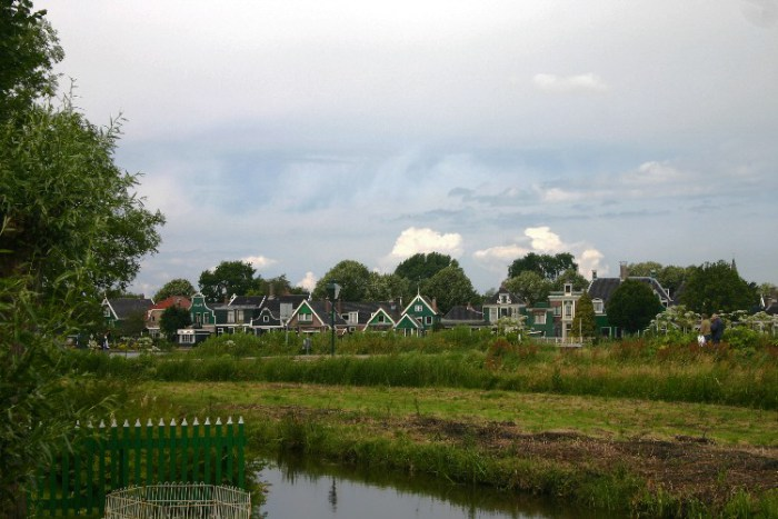 20040621005 - Exploring the Bucolic and Historic Dutch Countryside