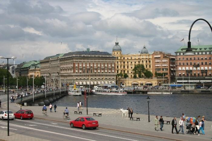 20040627001 - Stockholm on Midsommer Sunday
