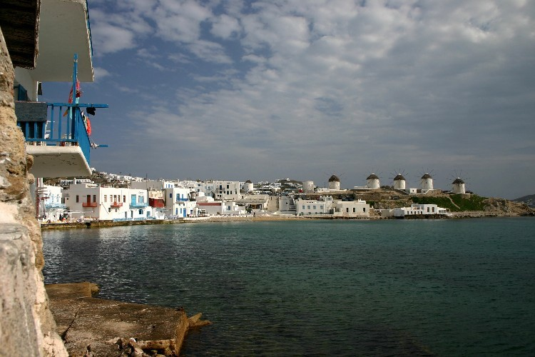 wa1 750x500 - Lost, in Mykonos Town