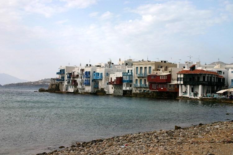 wa6 750x500 - Lost, in Mykonos Town