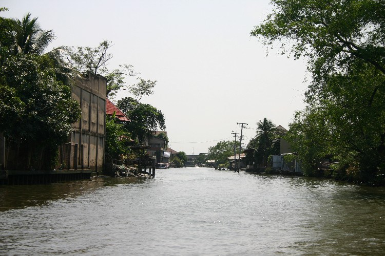 we9 - Travelling the Klongs: Bangkok by Water