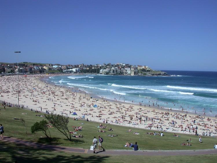 20040228001 - Intense Body Surfing at Bondi Beach, Australia