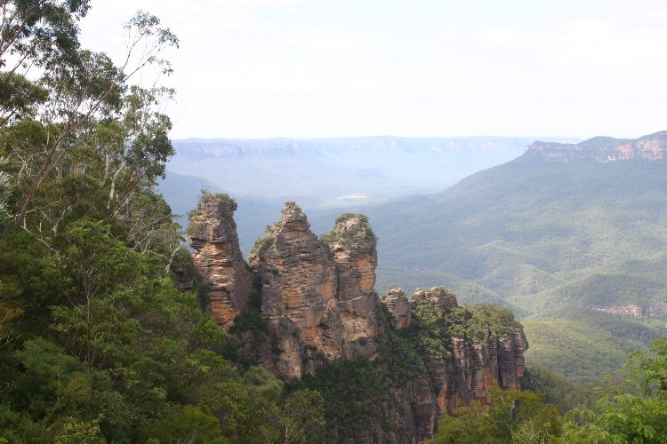 mt1 - Enjoying the Blue Air in the Blue Mountains of Australia