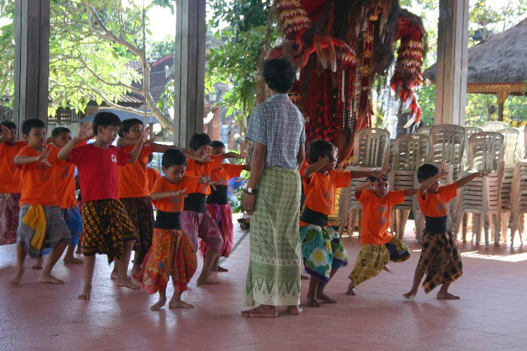 or8 - A Day of Dance in Ubud, Indonesia
