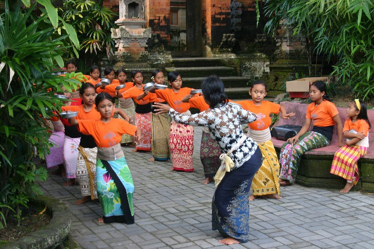 or9 - A Day of Dance in Ubud, Indonesia