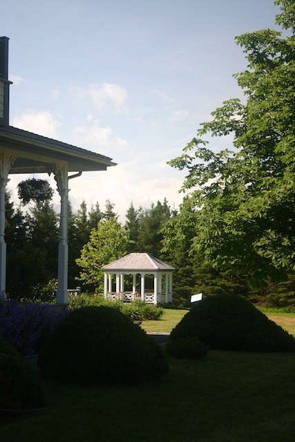042 1 - Between a Dandelion and a Daisy: Les Jardins de Métis