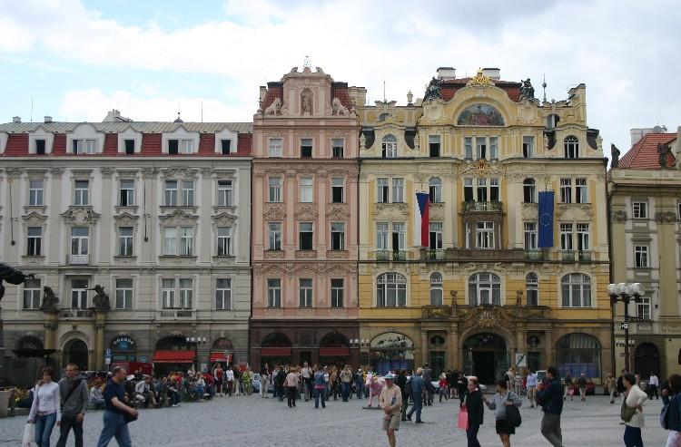 20040727003 - Prague: Overlooked Details and Unseen Vistas