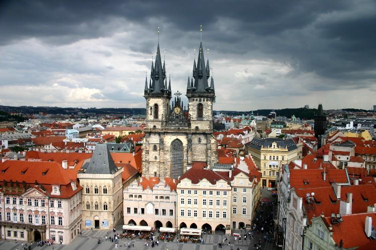 20040727006 - Prague: Savouring Overlooked Details and Unseen Vistas