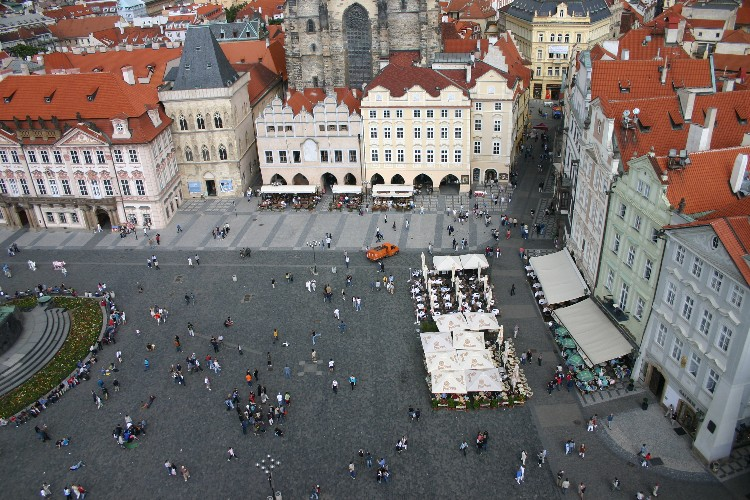 20040727008 - Prague: Savouring Overlooked Details and Unseen Vistas
