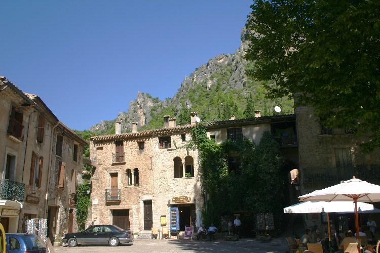 des1 - A Letter from St. Fréchoux: A Drive to St. Guilhem-le-Desert