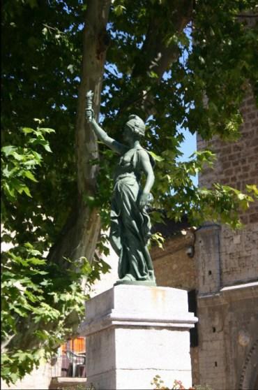des2 - A Letter from St. Fréchoux: A Drive to St. Guilhem-le-Desert