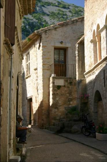 des4 - A Letter from St. Fréchoux: A Drive to St. Guilhem-le-Desert