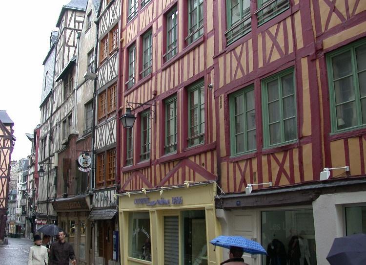 half2 - Half-Timbered Rouen: Jeanne d'Arc 's Garden