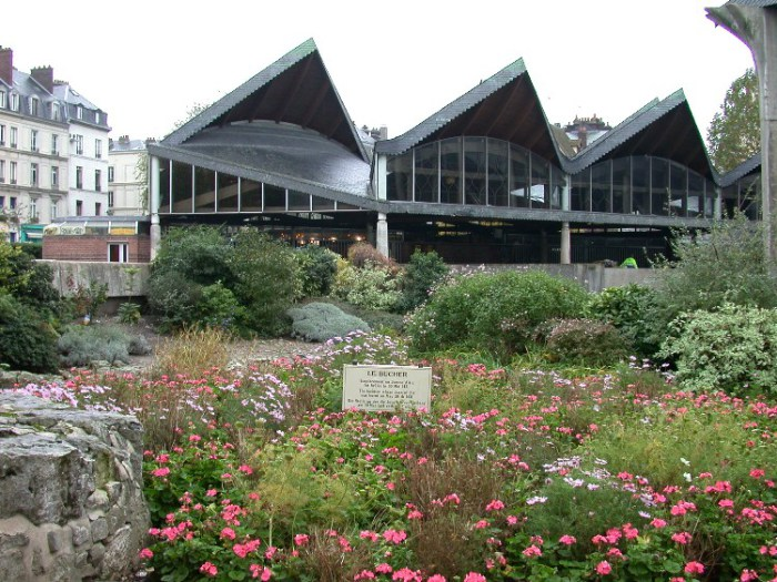 half7 - Half-Timbered Rouen: Jeanne d'Arc 's Garden