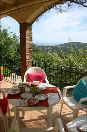 lu1 - Lunching on a Spanish Terrace