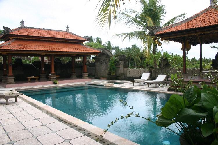 ub3 - Up the Balinese Mountainside to Ubud