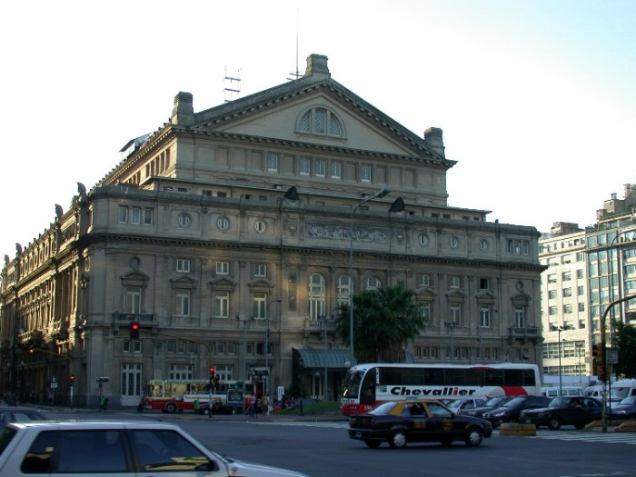 dea1 - A Night at the Opera in Buenos Aires