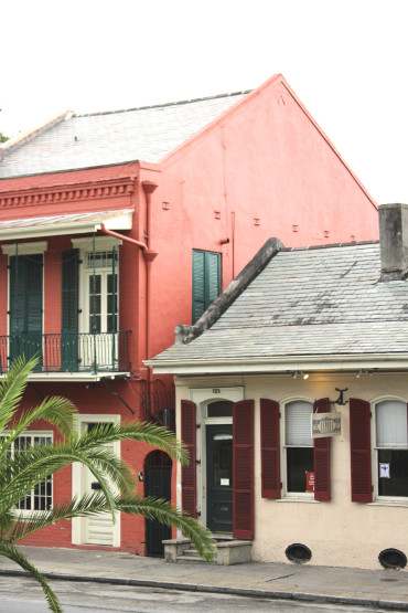 e33 - Like a Local City Guide: NOLA Musts