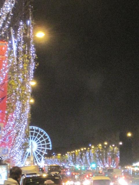 2009 12 04 0791 - Christmas in Paris