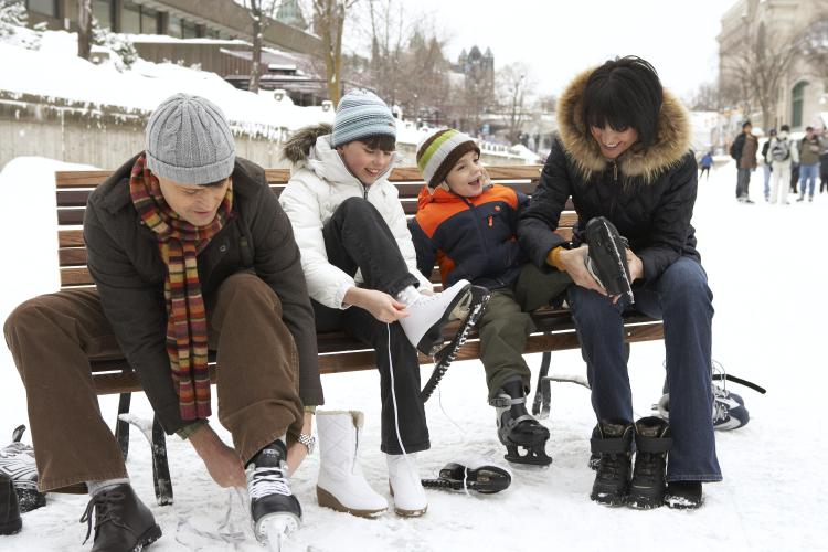rideau skaters expedia - Winter in Ontario: Get Out and Play!