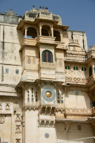 20040424 Udaipur 002 334x500 - Udaipur's City Palace: The House of Maharana