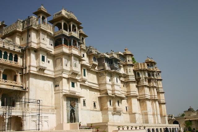 20040424 Udaipur 003 - Around Udaipur's City Palace: The House of Maharana