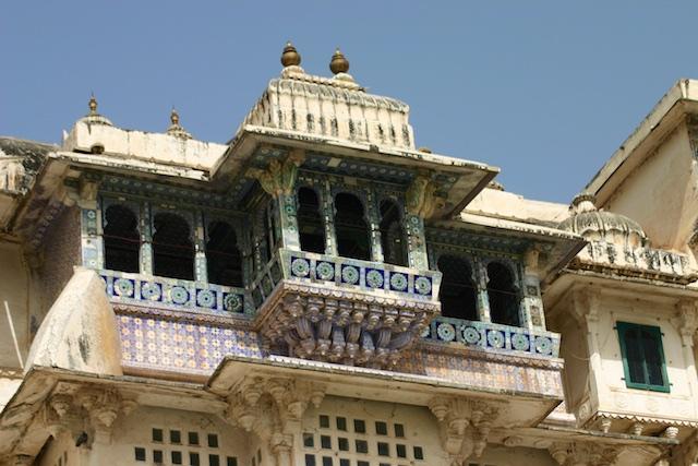 20040424 Udaipur 008 - Around Udaipur's City Palace: The House of Maharana