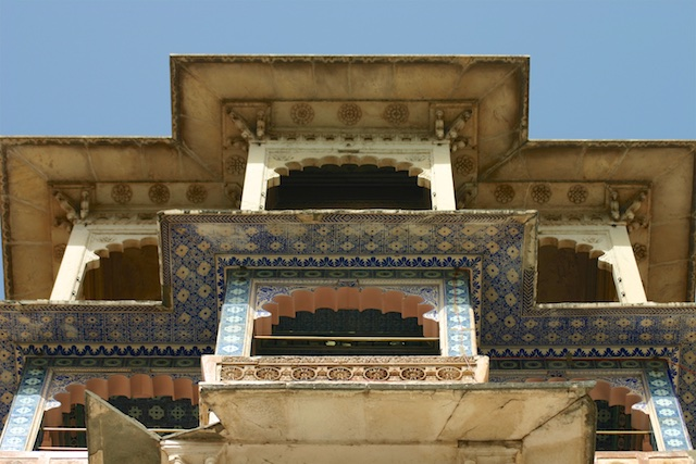 20040424 Udaipur 011 - Around Udaipur's City Palace: The House of Maharana