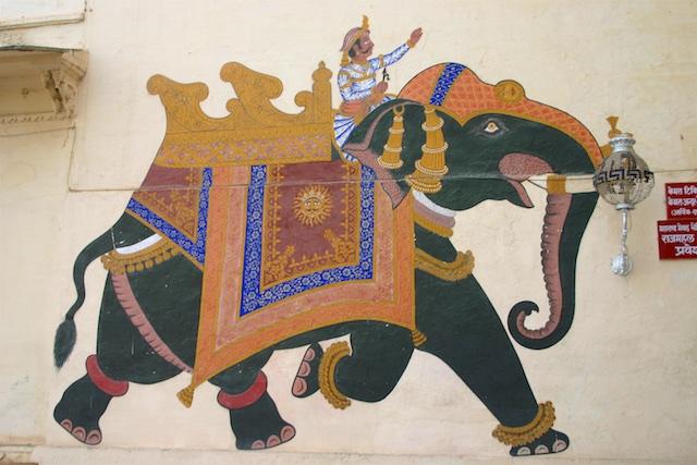 20040424 Udaipur 013 - Around Udaipur's City Palace: The House of Maharana