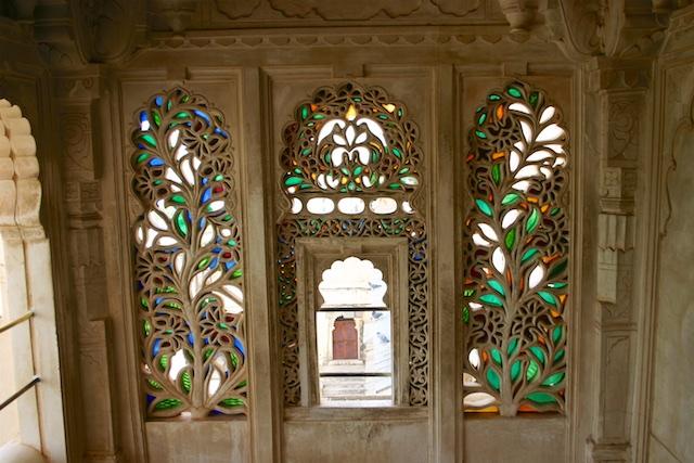 20040424 Udaipur 019 - Around Udaipur's City Palace: The House of Maharana