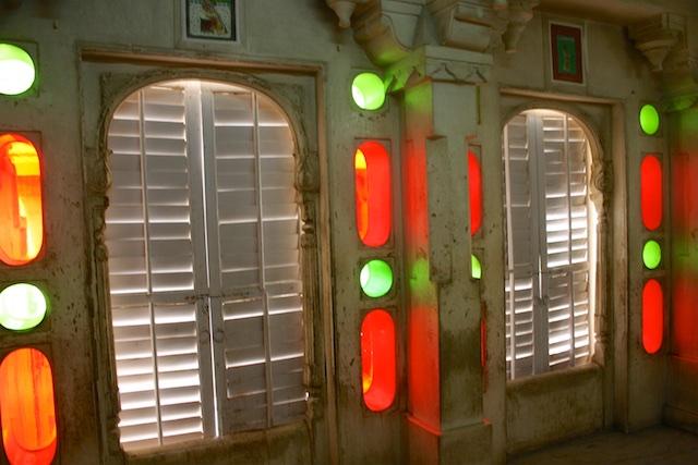 20040424 Udaipur 023 - Around Udaipur's City Palace: The House of Maharana