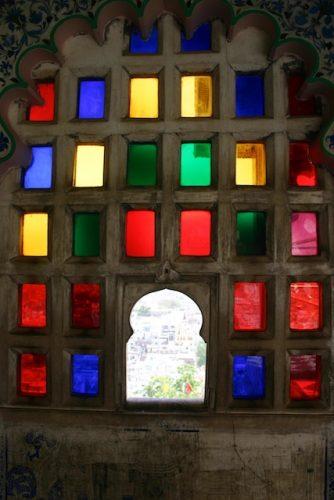 20040424 Udaipur 030 334x500 - Udaipur's City Palace: The House of Maharana