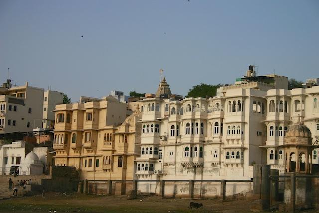 20040424 Udaipur 042 - Around Udaipur's City Palace: The House of Maharana