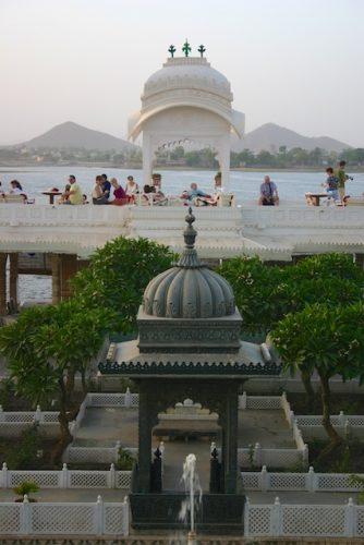20040424 Udaipur 066 334x500 - Udaipur's City Palace: The House of Maharana