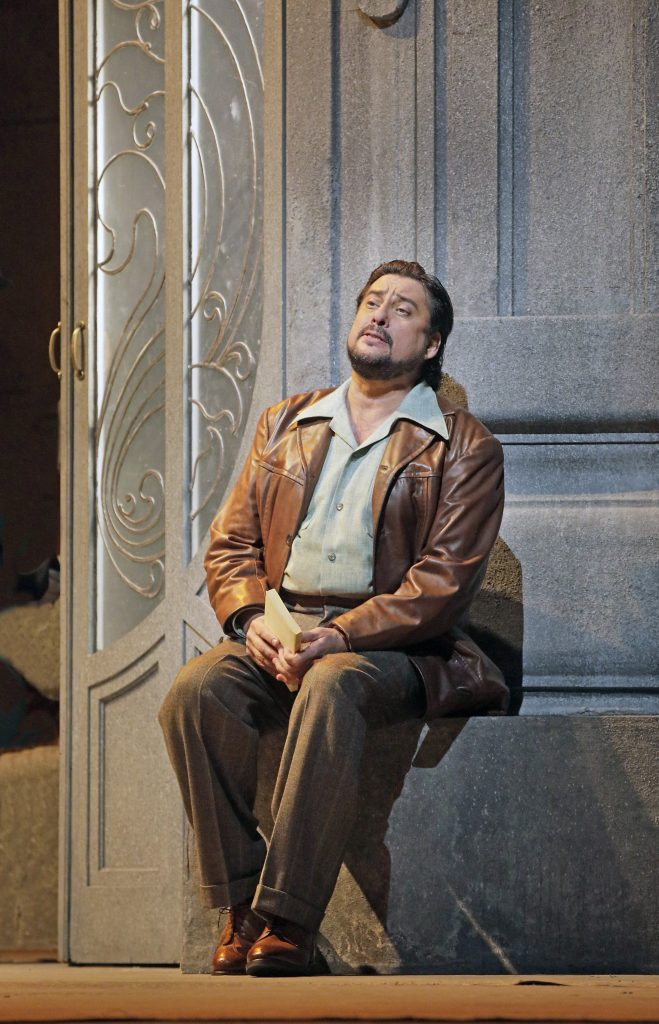 Marcelo Álvarez as Des Grieux  image courtesy of The Metropolitan Opera