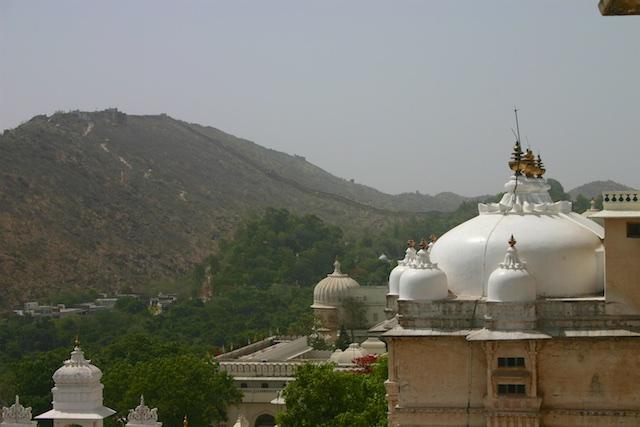 20040424 Udaipur 028 - The Midnight Train to Jaipur