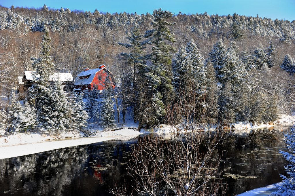 DIABLE RIVER in winter at Spa Scandinave