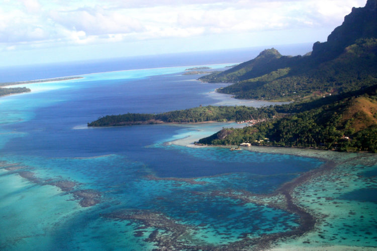 Image 2 Tahiti 750x500 - Top 10 Reasons to Visit Tahiti