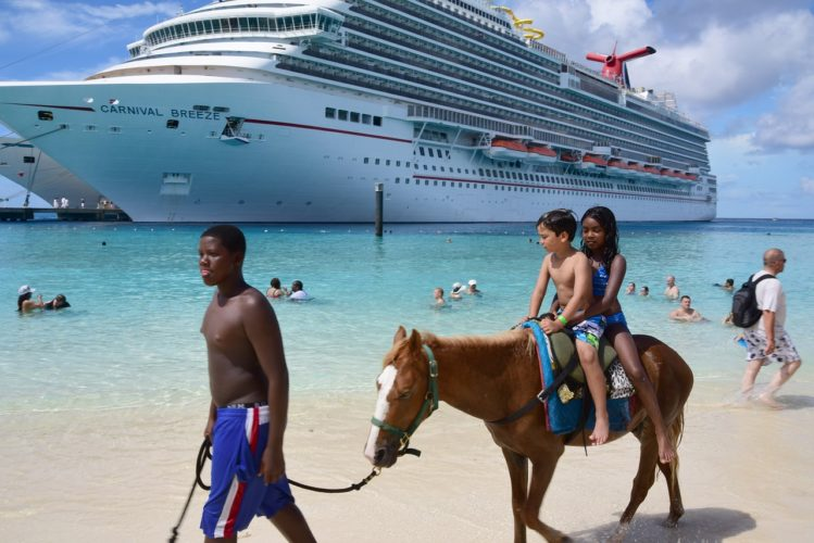 cruise 1198919 1280 749x500 - Family Vacation: Activities Everyone Can Enjoy
